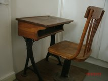 1800s WOOD AND CAST IRON SCHOOL DESK SET in Mountain Home, Idaho