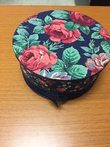 round gift box in Vacaville, California