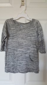 Old Navy top size 5 in Chicago, Illinois