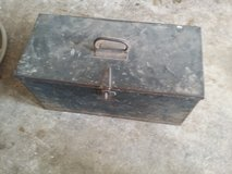 Vintage toolbox in Plainfield, Illinois