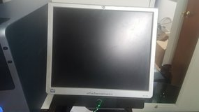 HP 1740 MONITOR in Naperville, Illinois