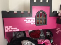 castle bed bunk bed in Yucca Valley, California