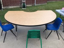 Adjustable height Teaching Kidney Shaped Table and chairs in Kingwood, Texas