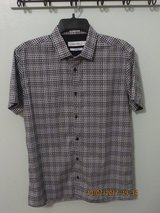 Calvin Klein Men's Small Body Fit Short Sleeve 100% Cotton Shirt in Lockport, Illinois