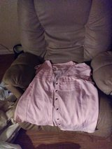 2x pink button up blouse in Camp Lejeune, North Carolina