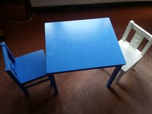 Children's table and 2 chairs (Ikea) in Baumholder, GE