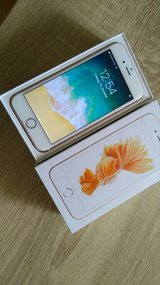 unlocked rose gold iPhone 6s 64gb in Ramstein, Germany