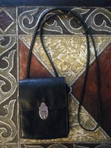 ENZO BLACK LEATHER PURSE in Bartlett, Illinois