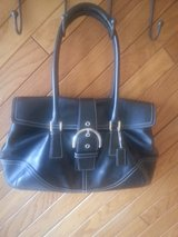 COACH BLACK LEATHER PURSE in Schaumburg, Illinois