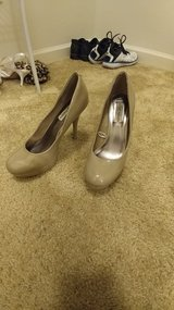 Beige Steve madden heels in Fort Riley, Kansas