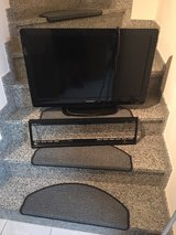 """32"""" Phillips TV w/HDMI and Wall Mount in Ramstein, Germany"""