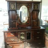 dresser in Elizabethtown, Kentucky