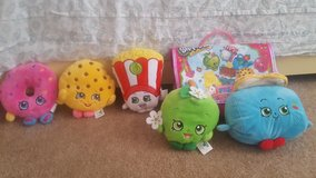 Shopkins stuffed animals and bag in Barstow, California