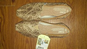 BNWT Toms in Cherry Point, North Carolina
