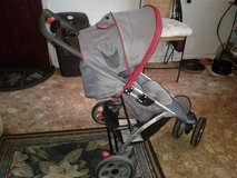 Eddie Bauer 3 wheel stroller in Perry, Georgia