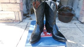 LOWERED PRICE!!! TONY LAMA WOMENS BOOTS in Alamogordo, New Mexico