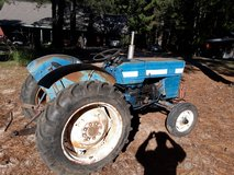 1980 Long 320 diesel tractor in Leesville, Louisiana