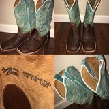 Tony Lama Leather Teal Cowgirl Boots in Yucca Valley, California