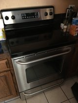 GE Electric Oven in Glendale Heights, Illinois