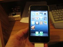 iPhone 3 GS (AT&T ) and iHome Dual Alarm Clock Radio in Joliet, Illinois