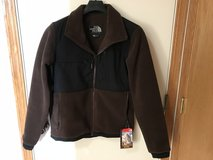 NWT North Face Denali 2 Mens Small Coffee Bean Brown / Black in Glendale Heights, Illinois