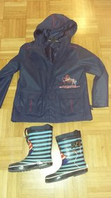 Rain jacket and boots for 6 years old child in Wiesbaden, GE
