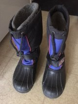 kids winter boots size 4 in New Lenox, Illinois