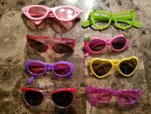 8 Girls Sunglasses/Funglasses in Fort Campbell, Kentucky