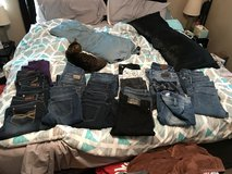 Girls jeans lot sz youth 16 to women sz 5 in Great Lakes, Illinois