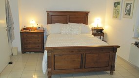 Bed frame, box spring and mattress in Wiesbaden, GE