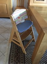 The high chair that grows with your child in Ramstein, Germany