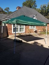 Green 10ft X 10ft Pop-up Canopy Shelter Party Tent in Kingwood, Texas