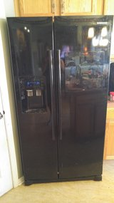 REDUCED TO*** $450.00 LARGE 27 CU. Samsung side by side refrigerator in Morris, Illinois