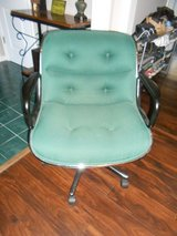 Rolling desk chair in Great shape! in Clarksville, Tennessee