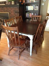 Dining table and 6 chairs in Fort Leonard Wood, Missouri