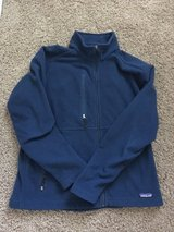 Men Pantagonia Fleece Coat - Medium in Naperville, Illinois