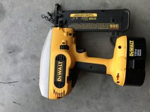 Cordless dewalt nail gun in Fort Campbell, Kentucky