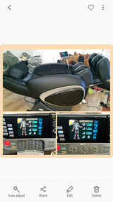 Cozzia zero gravity massage chair in Fort Lewis, Washington