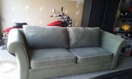 Sofa / couch in Chicago, Illinois