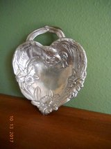 Arthur Court small heart bowl, bunny with orchids, signed, with handle. aluminum in Houston, Texas