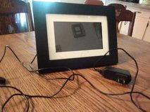 """7"""" Back Digital Picture Frame by Pandigital with mat and usb port and wall charger! Great! in Clarksville, Tennessee"""