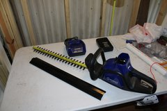 KOBALT 40V Max Headge Trimer, with 40 Volt Lithium - ion Battery, Charger and Blade Cover in Fort Polk, Louisiana