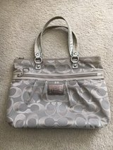 Coach Limited Edition Poppy Tote in Yorkville, Illinois