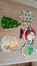 DECORATIVE OUTDOOR CHRISTMAS STAKES in Naperville, Illinois