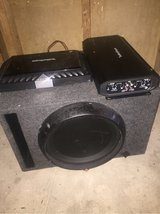 12in Rockford fosgate subwoofer and box; t600-2 amp; r300-4 amp in Fort Polk, Louisiana