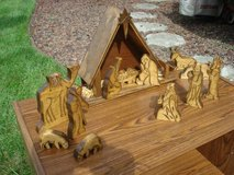 13 piece hand carved nativity set - excellent condition in Naperville, Illinois