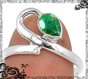 New - Dainty Green Emerald Quartz 925 Sterling Silver Ring - Size 7 in Alamogordo, New Mexico