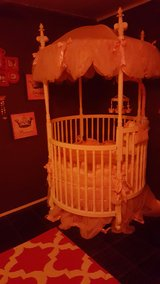 princess canopy crib in Fort Campbell, Kentucky
