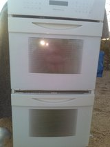 Jenn Air built in white double oven GORGEOUS in 29 Palms, California