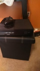 Xbox one w/controller in Fort Leonard Wood, Missouri